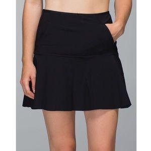 Lululemon Get It On Skirt in Black/Inkwell